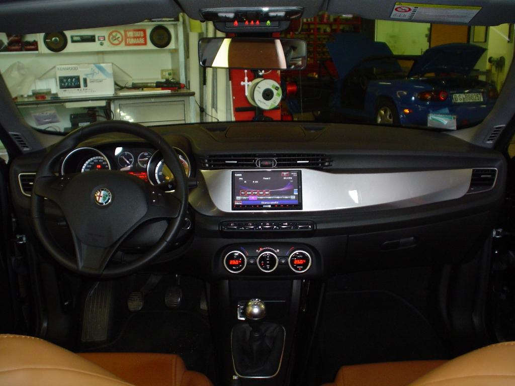 Alfa Romeo Giulietta >> Alfa Romeo Giulietta Monitor Doppio din